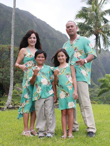 matching hawaiian outfits for family