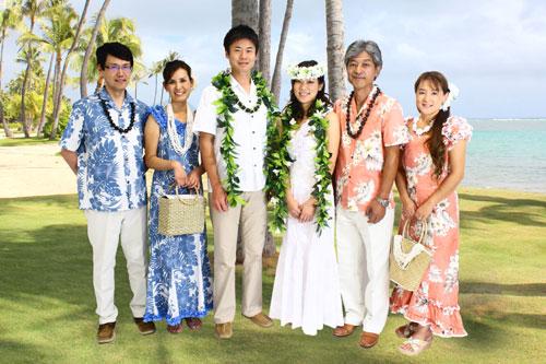 新郎新婦の両親. ハワイアンスタイルの結婚式